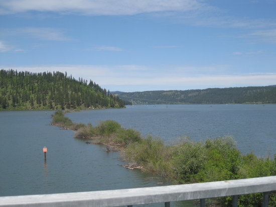 Trail of the Coeur d'Alenes: View from the bridge