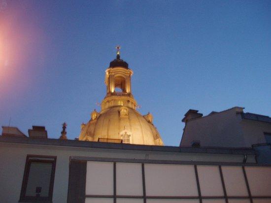 Restaurant Moritz: Blick von der Dachterrasse auf die Kuppel der Frauenkirche