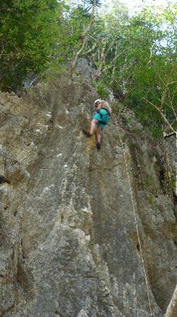 El Nido Resorts Miniloc Island: rock climbing