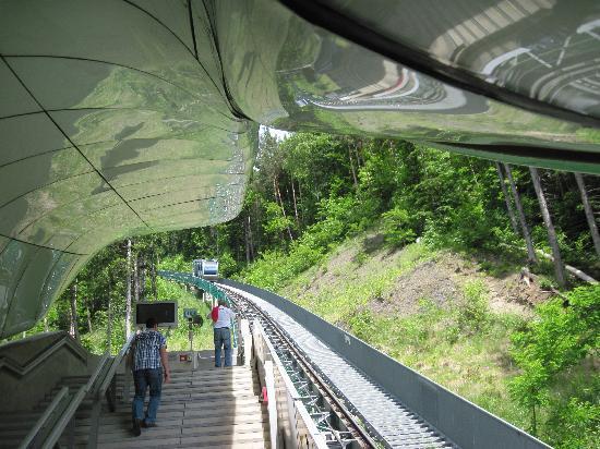 Innsbrucker Nordkettenbahnen: Standseilbahn Hungerburgbahn