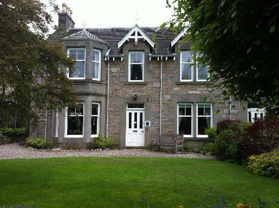 Dunmurray Lodge: Voorkant van het huis