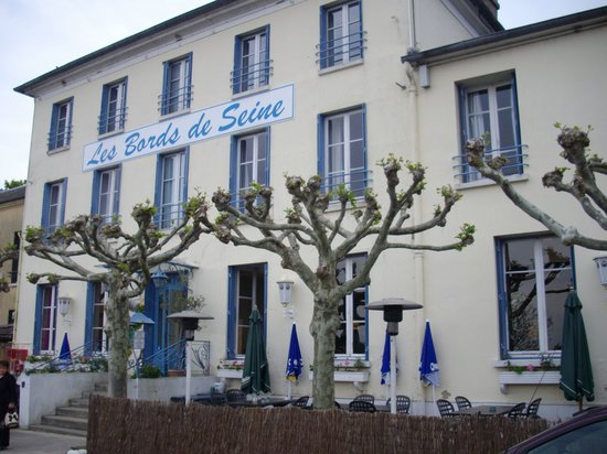 Photo of Les Bords de Seine Hotel-Restaurant La Roche-Guyon