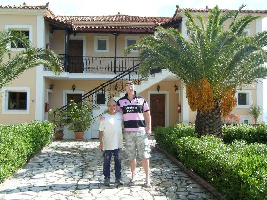 Villa Contessa: spiros and me !!!