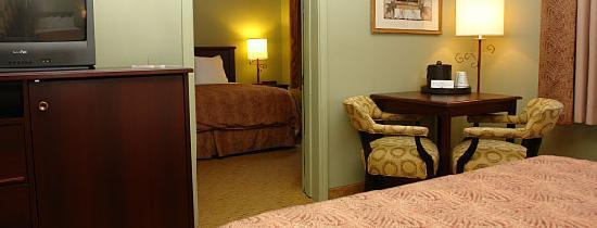 BEST WESTERN PLUS Concord Inn: 2 room King Suite - 2 Queen beds, 1 King bed, 1 bath