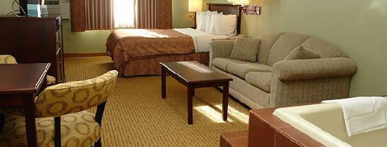 Best Western Plus Concord Inn: 1 Queen bed, sofa sleeper and whirlpool room