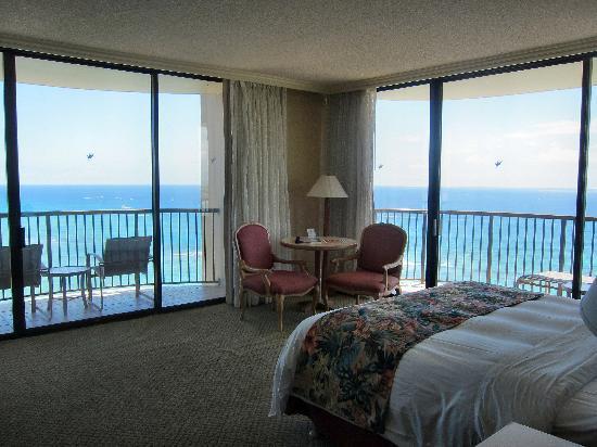 Hilton Hawaiian Village Waikiki Beach Resort : Rainbow Tower Room 2601