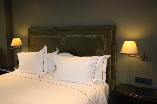 Castillo Gorraiz Hotel Golf & Spa: DORMITORIO STANDARD