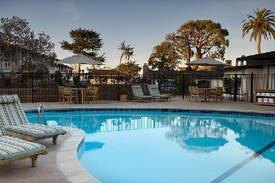 Casa munras garden hotel spa 182 2 0 5 2018 for Pool show monterey