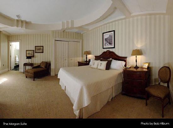 The Suite at the General Morgan Inn, photo by Bob Hilburn
