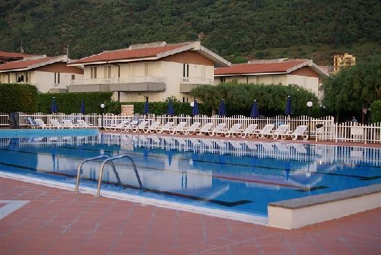 Riviera Del Sole: La piscina