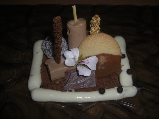 Rossellinis Restaurant : The chocolate dessert!
