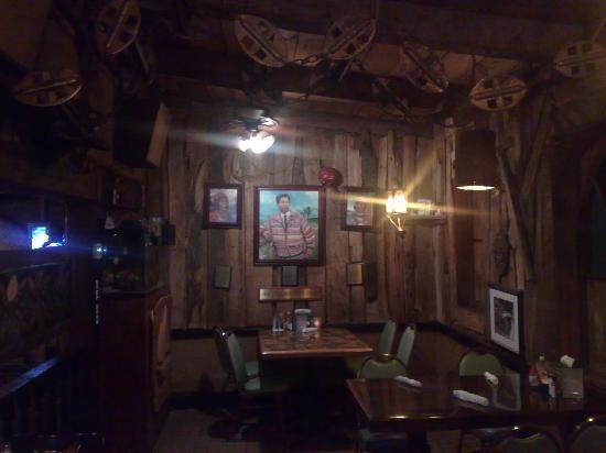 Ark Restaurant & Catering: uno degli ambienti del The Ark. In fondo, il ritratto del capo dei Seminola, la tribù di indiani