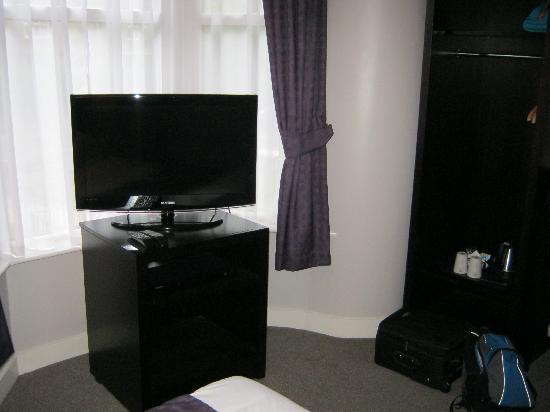Abbey Lodge Hotel: Flat Screen TV
