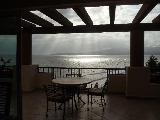 Villa del Palmar Flamingos: Peaceful Sunset from Living Room