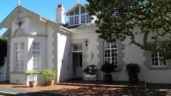 Front entrance to Blackheath Lodge
