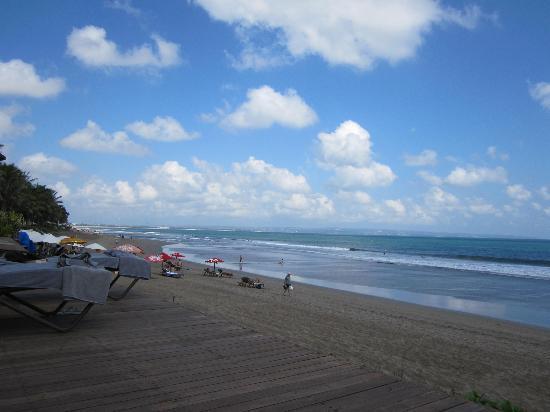 The Samaya Bali Seminyak: At the beach