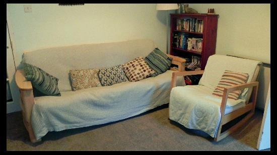 Oystercatcher Bed & Breakfast : Sitting area on the upper floor.