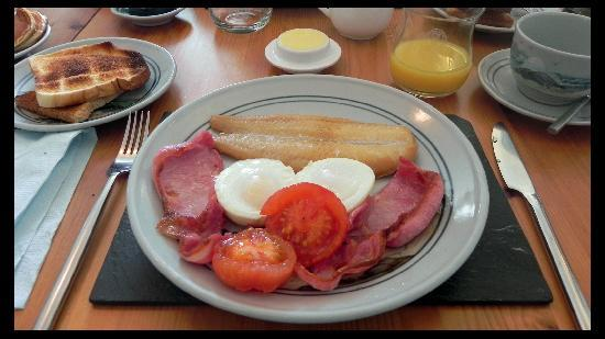 Oystercatcher Bed & Breakfast : My breakfast... Eggs, bacon, smoked haddock, grilled tomatoes.