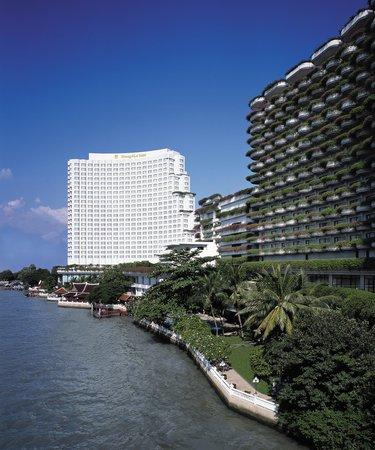 Shangri-La Hotel,Bangkok: Hotel Exterior