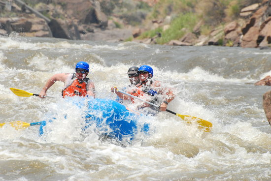 Lost Paddle Rafting: Class V Royal Gorge Full Day Trip