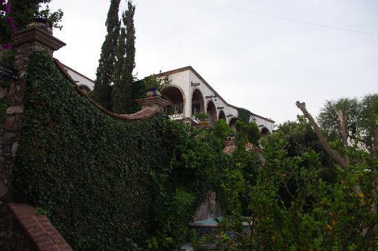 Condo Posada La Ermita: some of the middle units, nice view