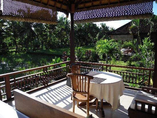 Sugars Villas: Private terrace overlooking rice paddies