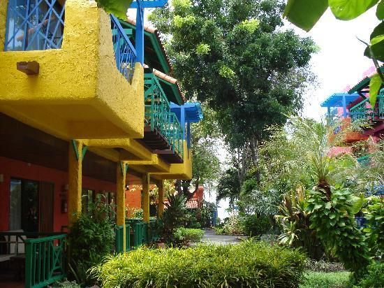 Baan Samui Resort: Gardens to Beach