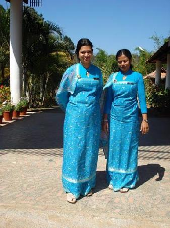 Ammathi, Indien: Staff in Traditional Kodava Dress