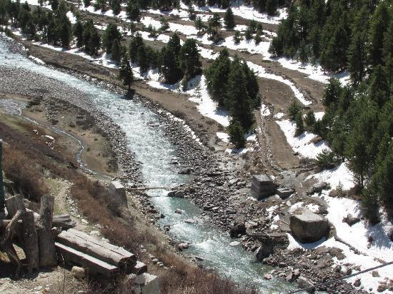 Kinnaur: Snow near Baspa River