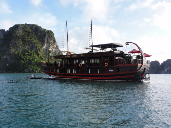 Poseidon Sail Private Charter Halong: The boat