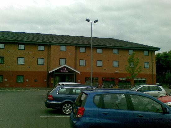 Premier Inn East Midlands Airport Hotel: Exterior view