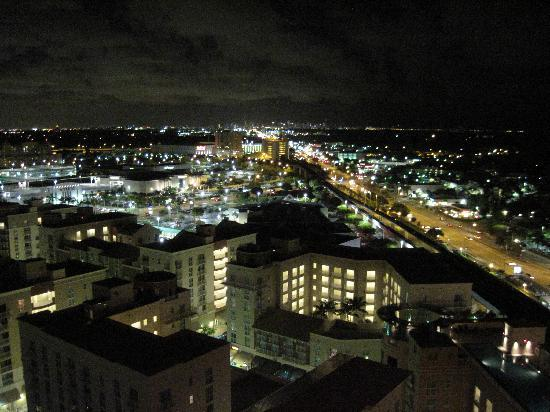 Miami Marriott Dadeland: View from our room at night