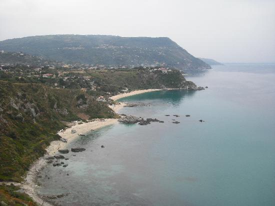 Hotel Baia del Capo: Grotticelle Beach frpm Capo Vaticano