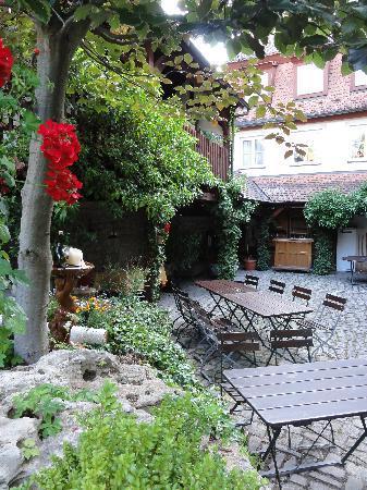 Hotel Sonnenhoefle: Innenhof
