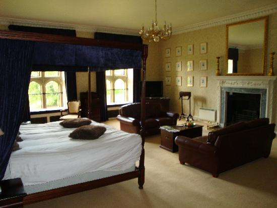 Warner Leisure Hotels Littlecote House Hotel: King Henry 8th Suite