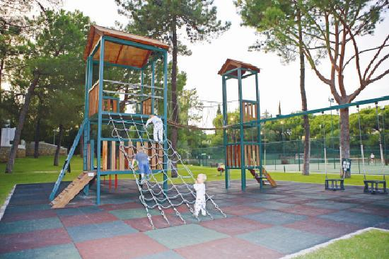 Four Seasons Country Club : Children's Play area