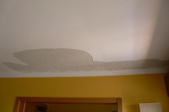 Holiday Village Algarve Balaia: Nice Ceiling Room 109!!!