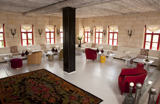 Hezen Cave Hotel: Design Lobby