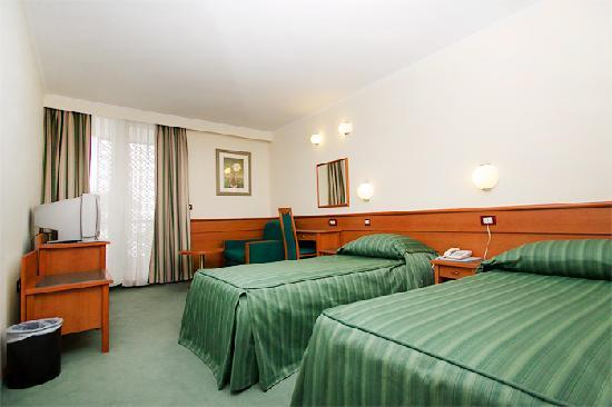 Hotel Kolovare: Twin room