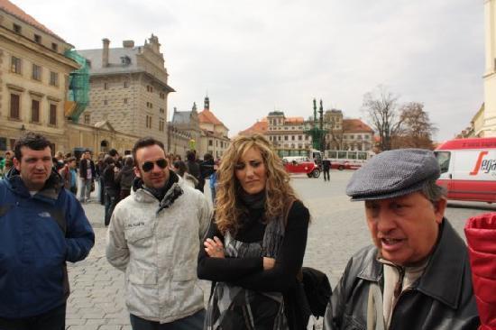 Caruana Tours : Apr/2011 Hradčanské náměstí