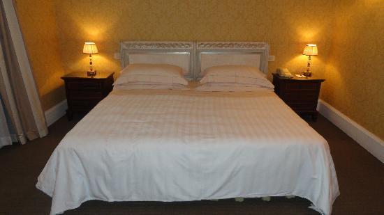 ميركيور كاتانيا إكسيلسيور: junior suite zona notte1