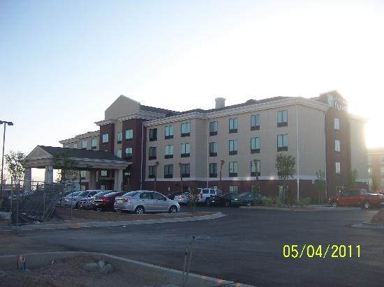 Holiday Inn Express & Suites El Paso Airport Area: View of the Holiday Inn Express