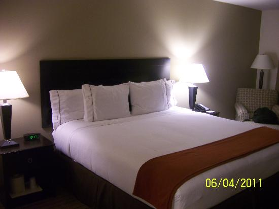 Holiday Inn Express & Suites El Paso Airport Area: The comfort of the room