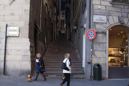 Γένοβα, Ιταλία: Escalinatas