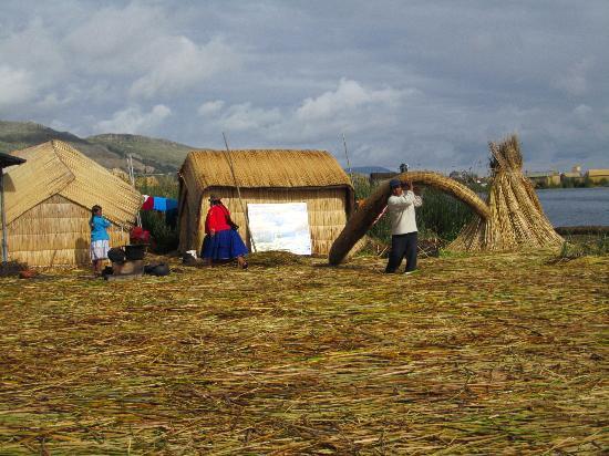 Puno, بيرو: Insel der Uros