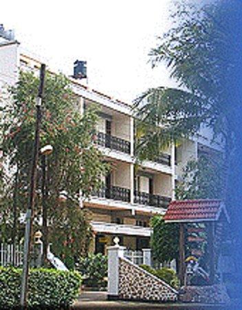 Kilimanjaro Crane Hotels & Safaris: HOTEL FORNT