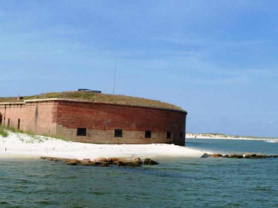 Gulfport, MS: Fort Massachusetts