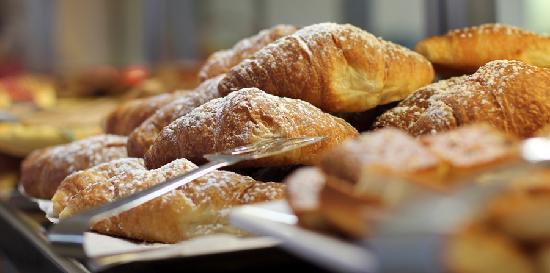Hotel Mayola: Breakfast
