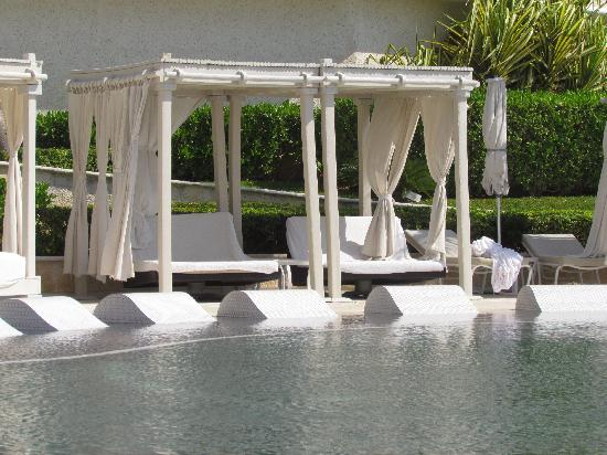 Sandos Cancun Luxury Resort: Individual gazebos
