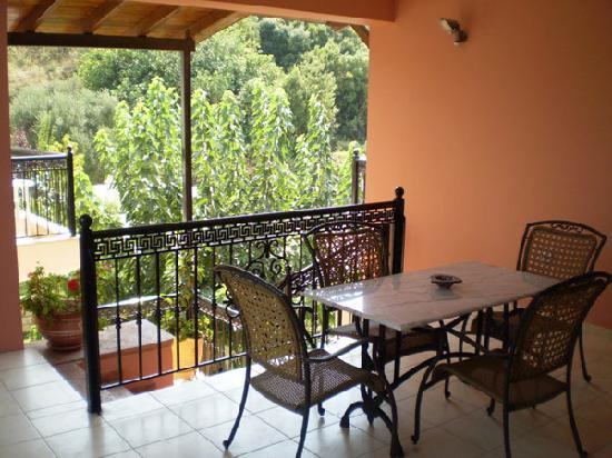 Anthi Apartments : Balcony